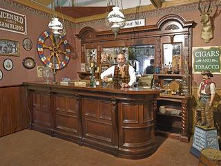 Antike Läden & Dekorationen